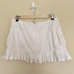 Athleta white Tennis Skirt w/ Shorts Size Large